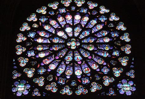 stained glass window file paryż notre dame rozeta 2 jpg wikimedia commons