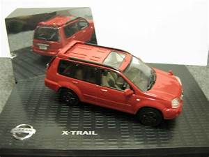 Nissan X Trail Versions : 1 43 nissan x trail diecast dealer version ebay ~ Dallasstarsshop.com Idées de Décoration