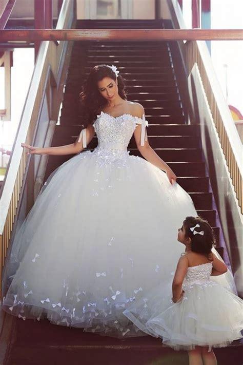 elegant  shoulder white ball gown wedding dress lace