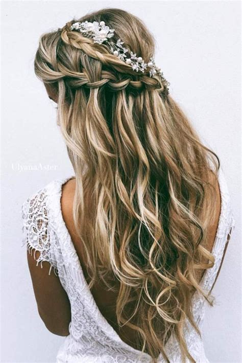 Bridesmaid Hairstyles For Hair by Chic Half Up Bridesmaid Hairstyles For Hair Unique