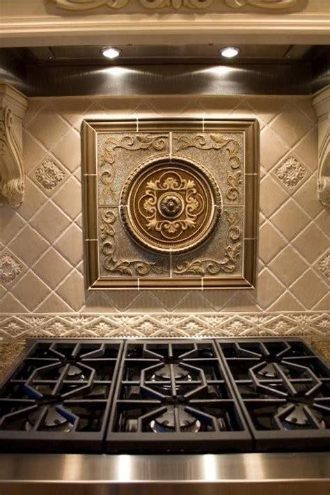 kitchen tile medallions 33 best traditional backsplashes images on 3265