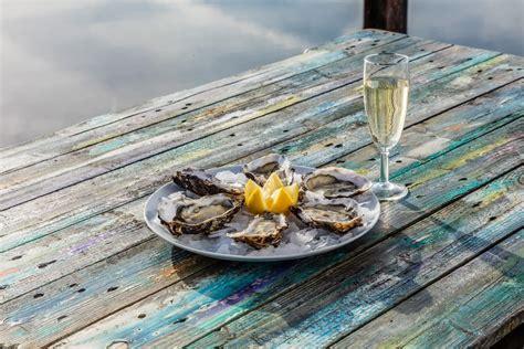 quel vin blanc sec pour cuisiner huîtres quels vins pour les accompagner huîtres