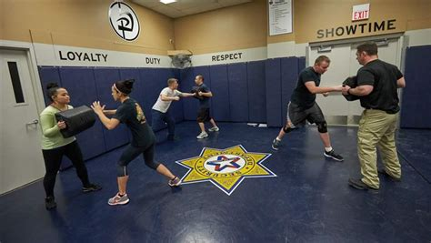 states security guards  scant training oversight