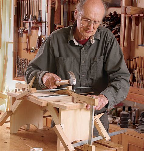 build  shaker stool  hand tools finewoodworking