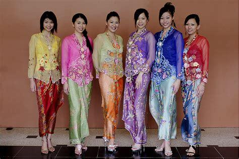 kebaya encim modern 4 por tor festival hungry ghost festival asia backpackers