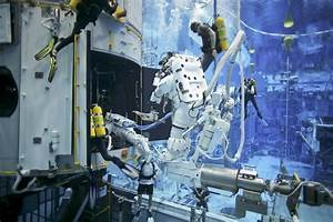 Astronauts Training in a Pool (page 4) - Pics about space