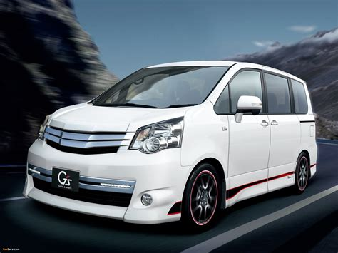 Voxy Wallpaper by Toyota Noah Si Gs Version Edge 2010 Wallpapers 2048x1536