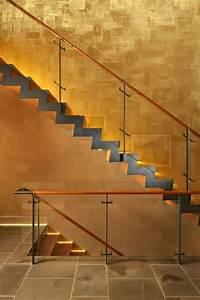 Indirekte Beleuchtung Treppe : indirekte beleuchtung der holz treppenstufen in warmwei treppen treppenbeleuchtung ~ Pilothousefishingboats.com Haus und Dekorationen