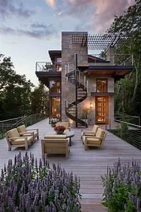 Modern Treetop Home Boasts Mesmerizing Views Over Lake