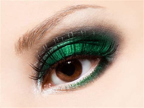 maquiagem verde esmeralda  os olhos