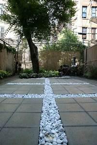 dalles terrasse en beton pour sublimer le jardin moderne With epaisseur dalle beton pour terrasse