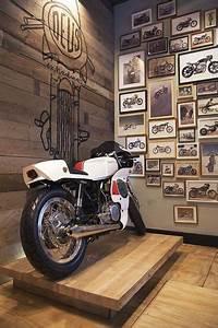 Garage Moto Paris : an industrial style kitchen in romantic paris you ll love domesticar garage motorcycle ~ Medecine-chirurgie-esthetiques.com Avis de Voitures