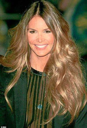 capelli lunghi mossi naturali