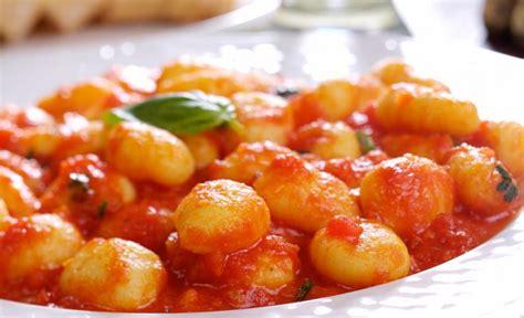 italian dishes gnocchi sauce noquis con food salsa como papa met recipes tomatensaus italy hacer tomate gnocci potatoes