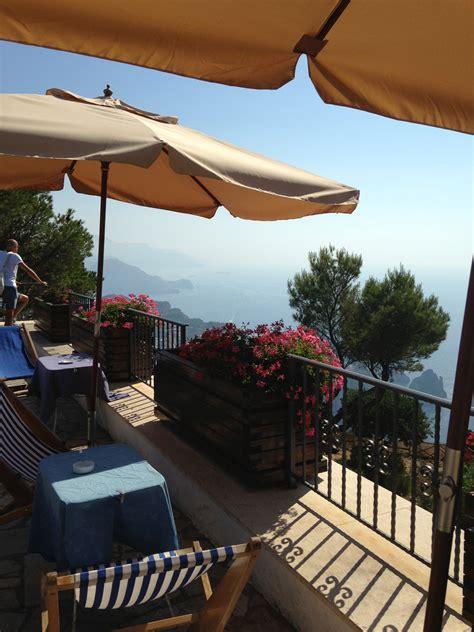 6 Hours On The Isle Of Capri She Gets Around