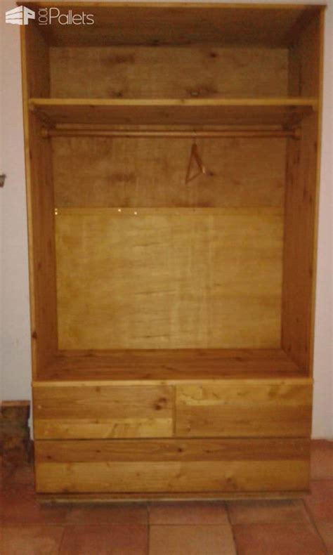 armoire en palettes recyclees pallet wardrobe  pallets