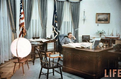 20 top gallery of oval jfk oval office buybrinkhomes com