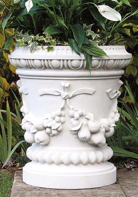 Blumentopf Weiß Groß by Antik Blumentopf Gro 223 Wavendon Gartentraum De