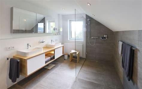 Dusche In Der Dachschräge by Das Bad Im Dachgeschoss