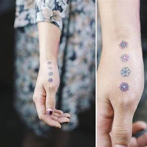 Download Hand Tattoo Designs For Women On Side Of Hands ...