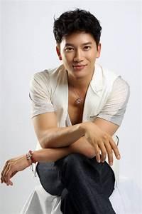 Actor Ji Sung shares a few love stories about girlfriend ...