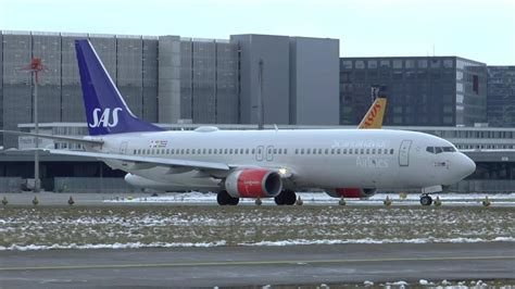Sas Boeing 737-800 Without Winglets Departing At Zurich