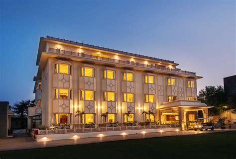 Kk Royal Hotel & Convention Centre  Jaipur India. Beijing International Hot Springs Hotel. Hotel Club Saraceno. Premium Flats Berrini Hotel. Gerbera Hotel Hue. Club Mahindra Fort Kumbalgarh. Park Du Sauvage Hotel. Permai Villa Dago Bandung. Holiday Inn Chengdu Oriental Plaza