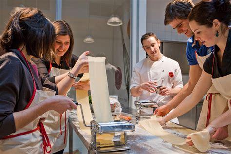 cours de cuisine strasbourg un cours de cuisine à l 39 atelier des chefs à strasbourg 67