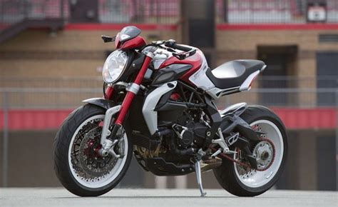 Benelli Tnt 135 4k Wallpapers by 2015 Mv Agusta Brutale 800 Dragster Rr Ride Review
