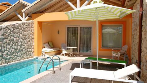 jardines  piscinas pequenas suitsgallery