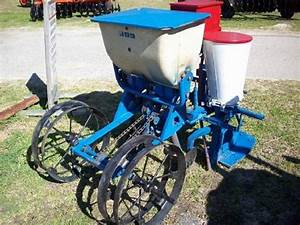 Ford 309 Planter  Price  1 895 00  Charleston  Sc  Planters  Agriculture