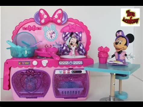 minnie mouse kitchen playset minnie bowtastic kitchen playset disney minnie mouse