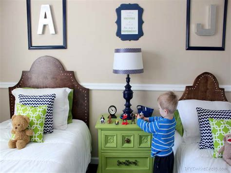 Little Boy Rooms With Twin Bed #