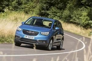 Opel Crossland X Fiche Technique : prix opel crossland x nouveaux moteurs et bo te auto en juin 2018 l 39 argus ~ Medecine-chirurgie-esthetiques.com Avis de Voitures