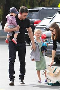 Ben Affleck and Jennifer Garner Out with the Kids - Zimbio