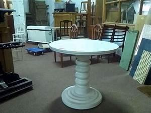 Runder Tisch Weiß : alter runder tisch massivholz wei unrestauriert 02097 ~ Whattoseeinmadrid.com Haus und Dekorationen