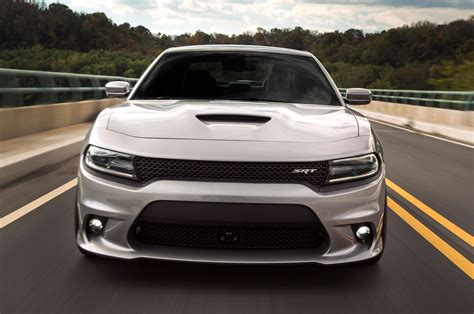 2015 Dodge Charger Srt 392 Front View In Motion 1 Photo 25