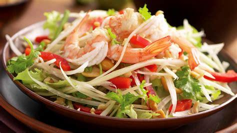 cuisine thailandaise traditionnelle à essayer cet été la salade som tam
