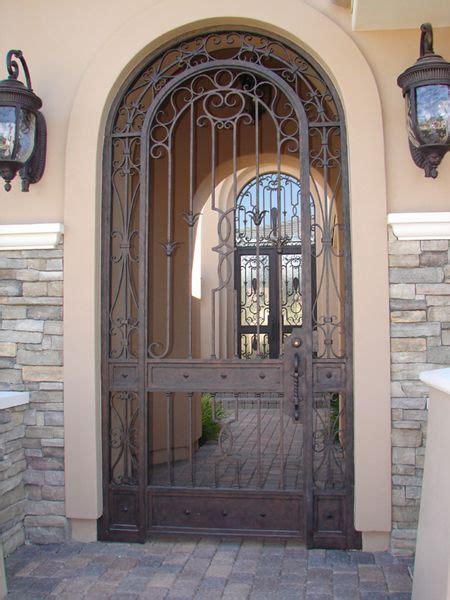 puertas  arco de hierro forjado google search