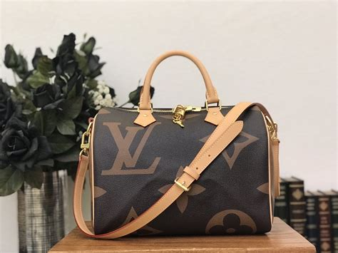 louis vuitton monogram giant speedy bandouliere