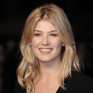 Rosamund Pike Wiki Affair Married Lesbian With Age