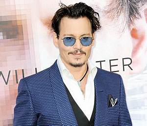 Johnny Depp Looks Unrecognizable in Costume for Yoga ...