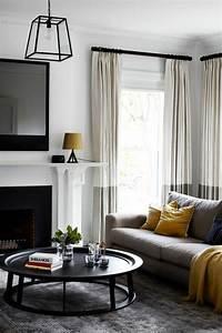 Plaid Jaune Et Gris : 1001 variantes de salon gris et jaune pour vous inspirer ~ Teatrodelosmanantiales.com Idées de Décoration