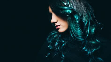 Discover The Right Blue Hair Hue For Your Skin Tone L