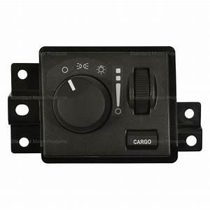 Standard U00ae   2500    3500 2006 Headlight Switch