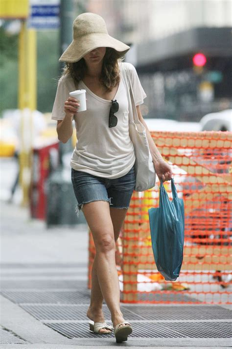pictures  keri russell walking  nyc popsugar celebrity