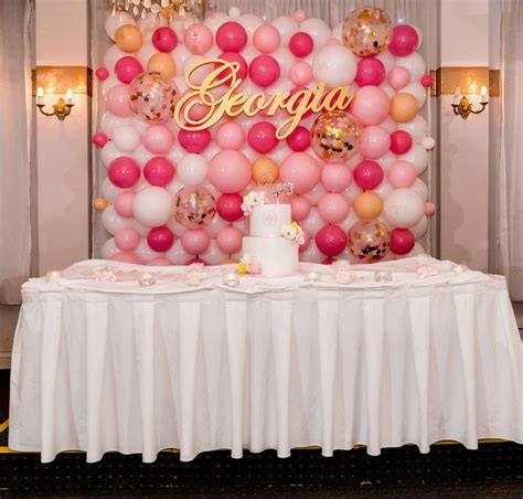 Great basic decoration for a birthday party. Balloon Walls- Organic | Party Shop | Birthday Balloons