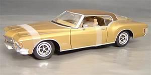 1971 Buick Riviera 455 Details