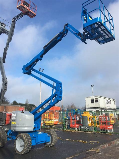 genie    rt articulated boom lifts construction