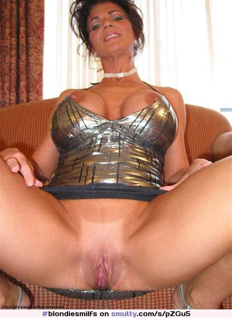 Deauxma Milf Spread Spreading Pussy Bigtits Hot